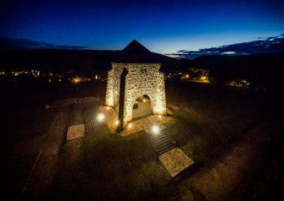 Denkmal in Zella-Mehlis bei Nacht